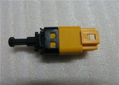 China Kalos Lacetti 96874571 Brake Light Switch Vehicle Parts Yellow Colored supplier