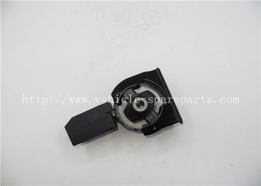 China Metal Material Engine Spare Part Toyota Corolla Car Engine Mount 12361-22080 supplier